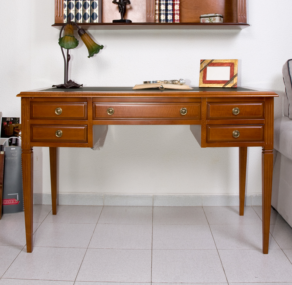 Mesa despacho modelo ingl s el taller del mueble for Escritorios uruguay